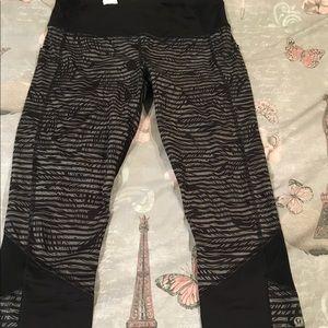 Stripped Lululemon cropped leggings